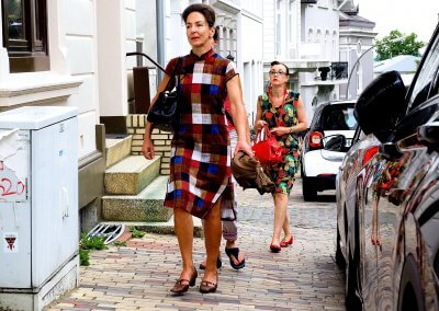 Interessante Person auf der Straße - Rosemarie Kühnert