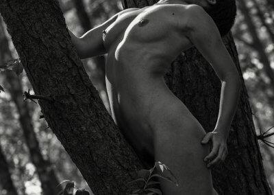 Marisa im Baum