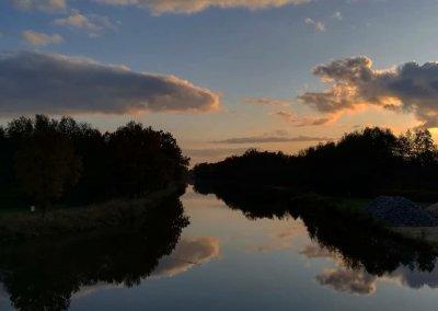 Spiegelbild im Fluß