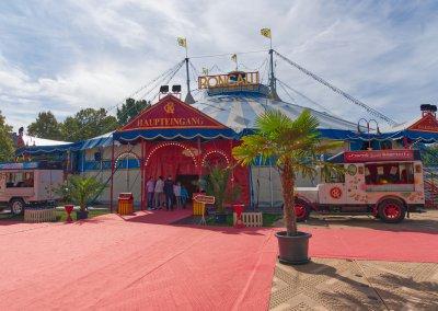 Das Zirkuszelt