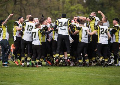 Football (Im Siegestaumel) - Herrmann Hauffe